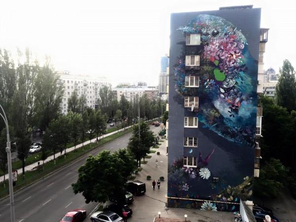 Новый мурал на бульваре Леси Украинки
