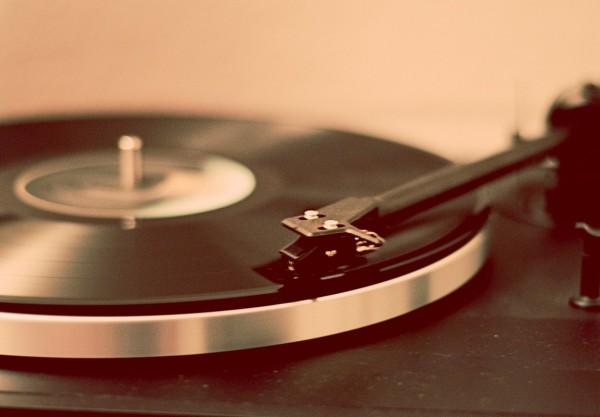 Винил остается единственным физическим носителем музыки, продажи которого неуклонно растут