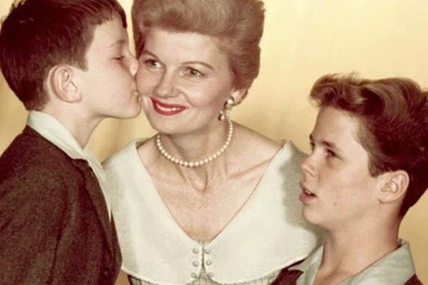 День матери 2017 в Украине празднуют 14 мая.
