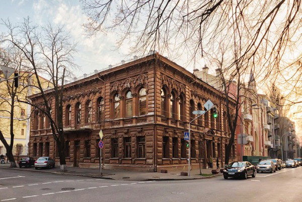 Источник фото: сайт http://seebestofkiev.com/chocolate-house