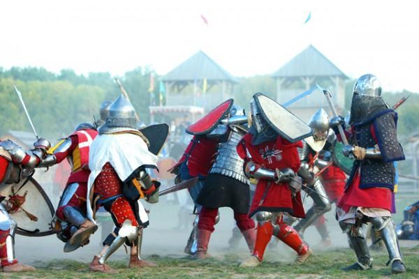 Чемпионат Украины по средневековому историческому фехтованию Зов Героев I пройдет в Парке Киевская Русь уже на следующих выходных