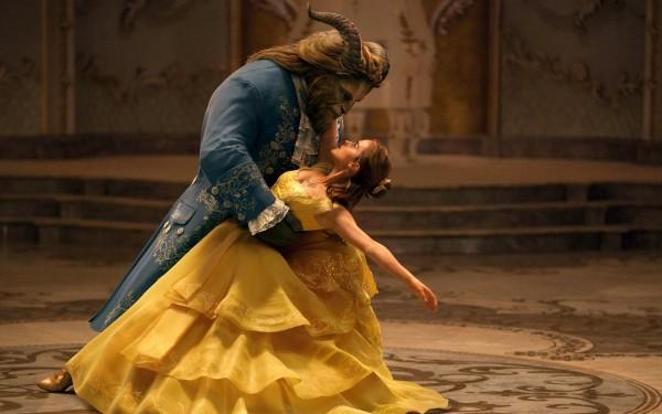 В марте состоится премьера фильма Красавица и Чудовище.