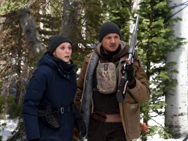 Элизабет Олсен и Джереми Риннер расследуют убийство в Ветреной реке.