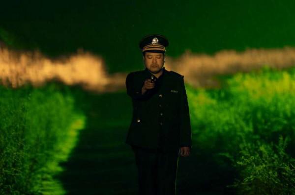 Первый конкурсант - китайский абсурдный фильм Свободно и легко.