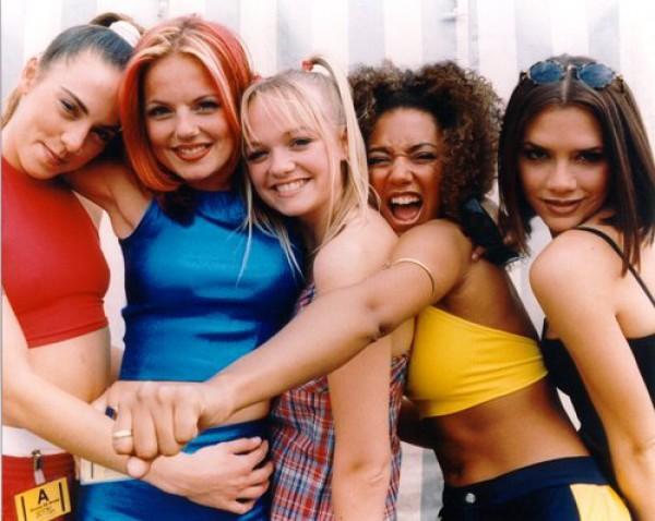 Мелани Си и Эмма Бантон решили вспомнить былые времена расцвета Spice Girls
