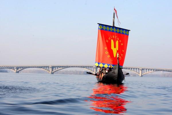 Реконструированная ладья Х века Князь Владимир будет спущена на воду в мае