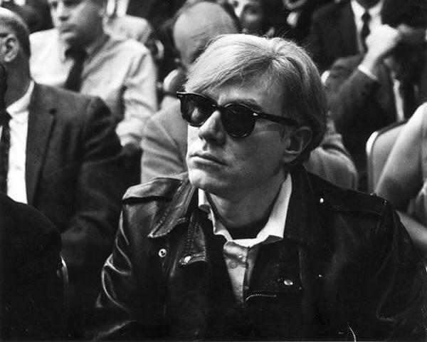 Картина является частью серии Warhol's Death and Disaster.