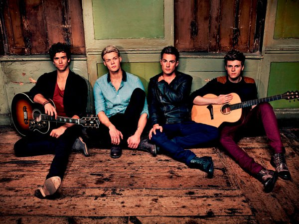 Lawson презентовали клип на песню Standing In The Dark.