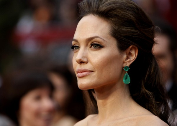 Анджелина Джоли - актриса и режиссер.