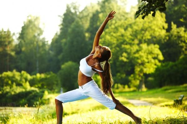 В международный день йоги ищем занятия на свежем воздухе.