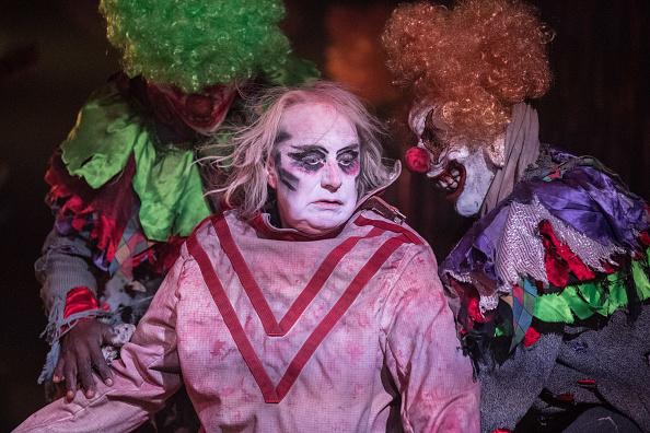 Circus of Horrors устроили зрелищное шоу в честь Хэллоуина