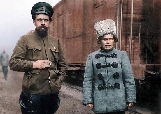 Павел Дыбенко и Нестор Махно (цвет)
