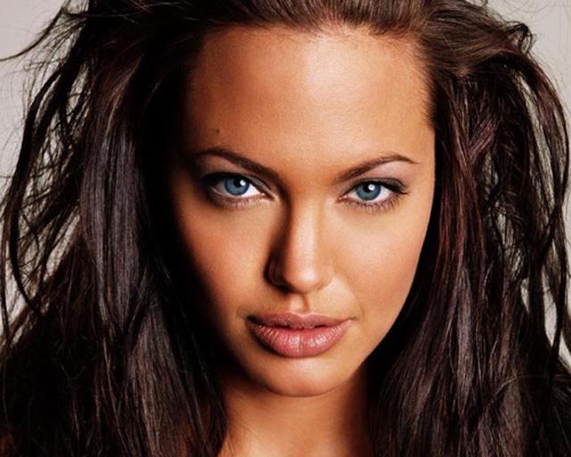Анжелина Джоли чуть не покончила с собой странным способом