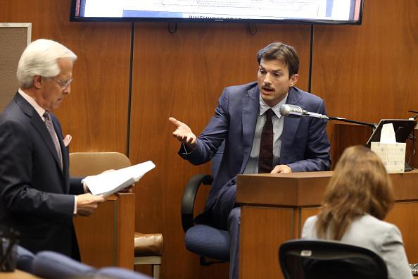 Эштон Кутчер в суде