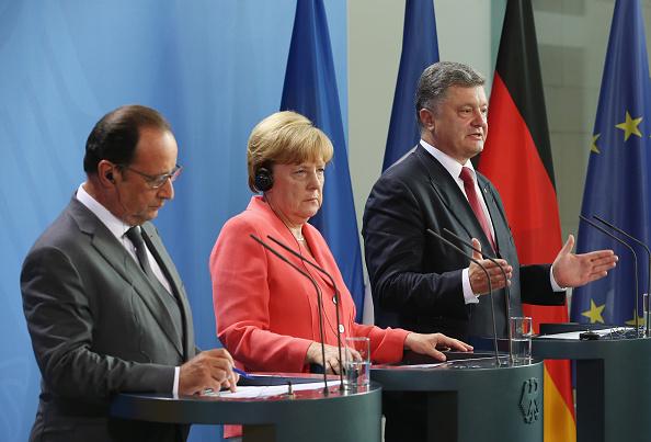 Франсуа Олланд, Ангела Меркель и Петр Порошенко