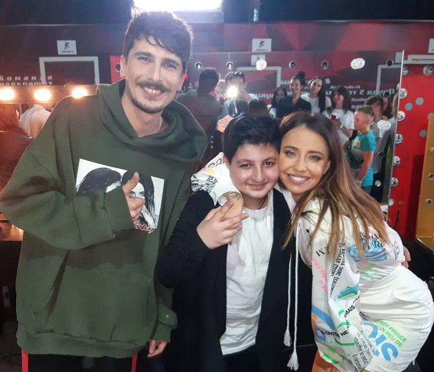Дорофеева показала влог с Голос. Дети