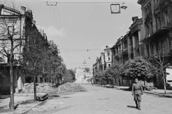 Современная улица архитектора Городецкого.