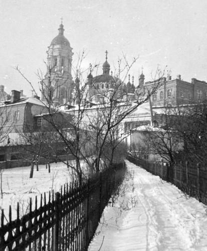 Колокольня и Трапезная церковь Киево-Печерской лавры.