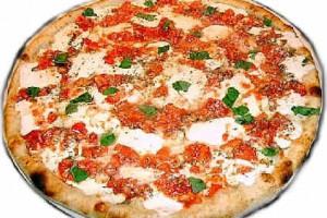Пиццу Louis XIII готовят на юге Италии в городе Агрополи