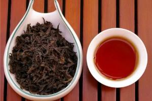 Название чая Да Хун Пао переводится как
