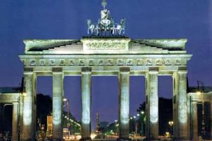 Жить у Брандербургских ворот дешевле, чем у Золотых