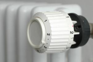 Термостаты на батареях позволяют установить отдельную температуру для каждой комнаты