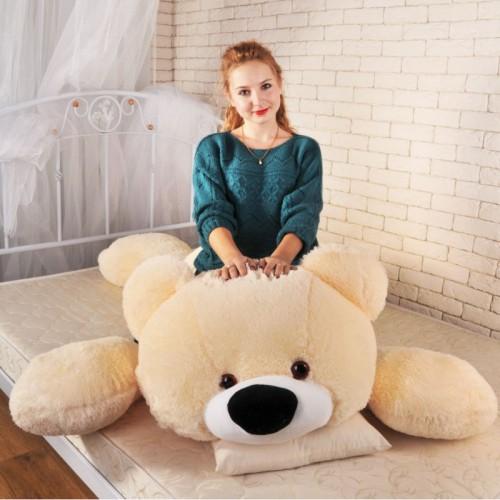 Большая мягкая игрушка - желанный подарок для девочки