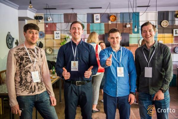 Основатели интернет-платформы для изделий хенд-мейд