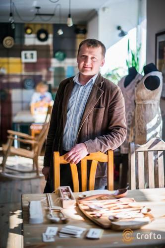 Мастер изделий из дерева Юрий Андресюк