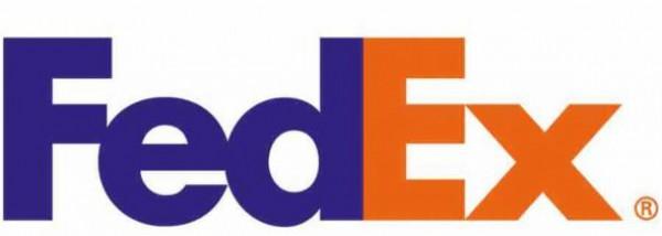 В логотипе FedEx  можно рассмотреть стрелку, сложенную из пустого пространства между буквами. Этим маркетологи как бы показывают стремление вперед и рост, которая дает эта компания.