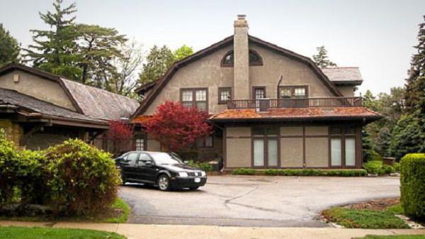 В доме Баффета, который находится в пригороде Омахи, штат Небраска, всего 5 спален.
