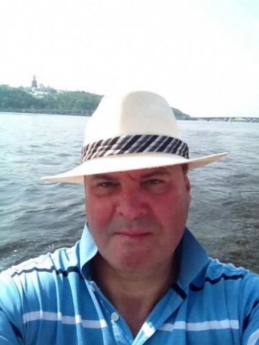 Анатолий Писаренко. Фото сделано, по всей видимости, на Трухановом острове