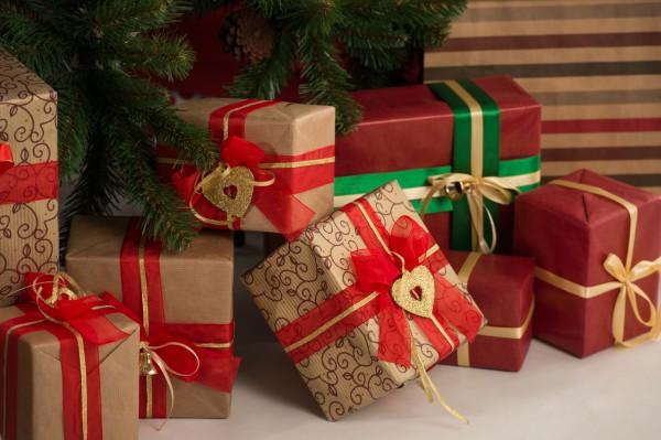 Украинцы готовы потратить на подарки не больше 1 тысячи гривен