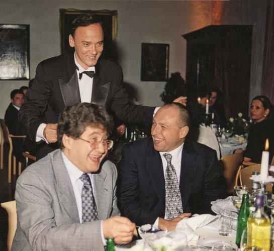 На переднем плане – Игорь Коломойский и Геннадий Боголюбов. 1997 год
