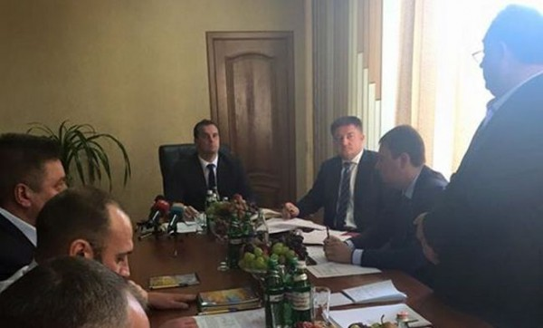Министр совершил рейд по региональным отделениям Госрезерва