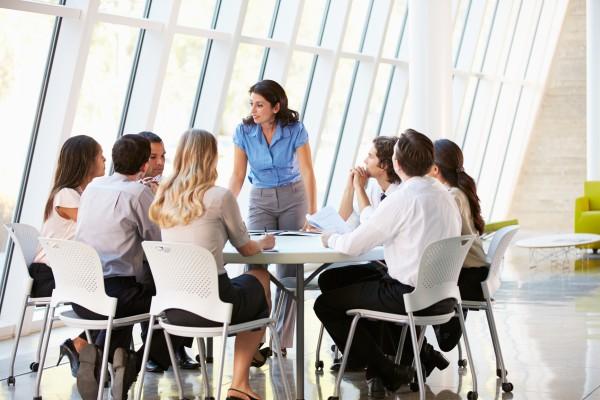 Социальный тренинг предусматривает занятия в группе