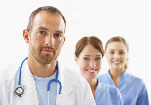 За неполный рабочий день, в некоторых клиниках врачу готовы платить 15 тыс. грн.