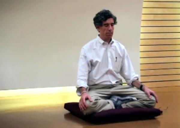 Дэвидсон во время медитации