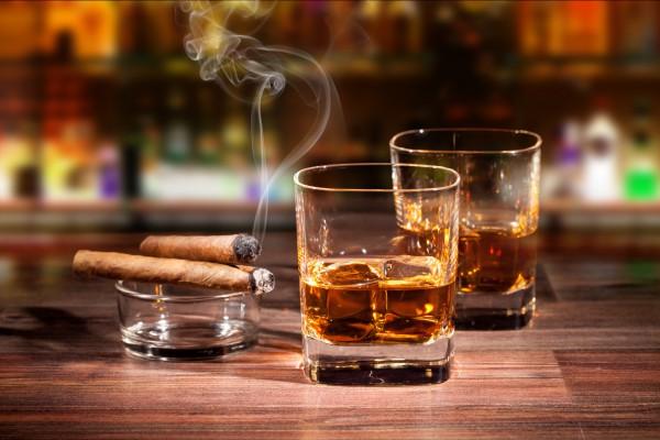 Дегустация виски и сигар - настоящий подарок для серьезного мужчины