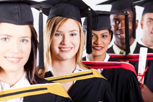 Украинцы стремятся получить диплом о высшем образовании зарубежом