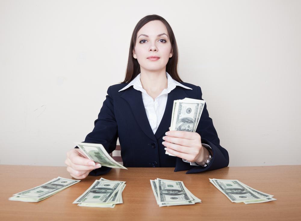 НБУ уже подсчитал, сколько долларов переложит из карманов украинцев в Пенсионный фонд