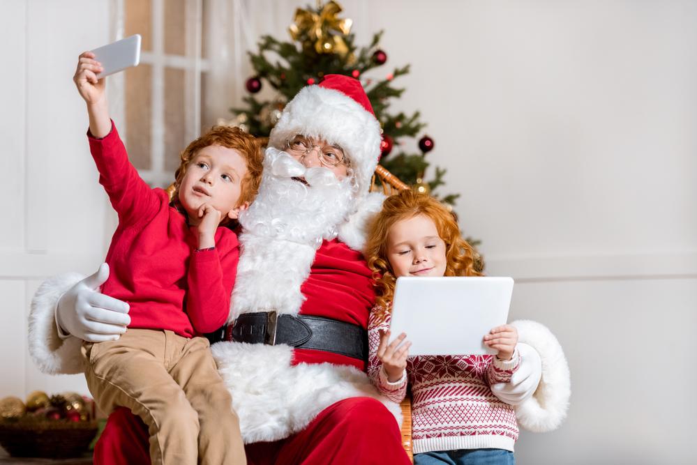 За фото с Дедом Морозом неплохо платят