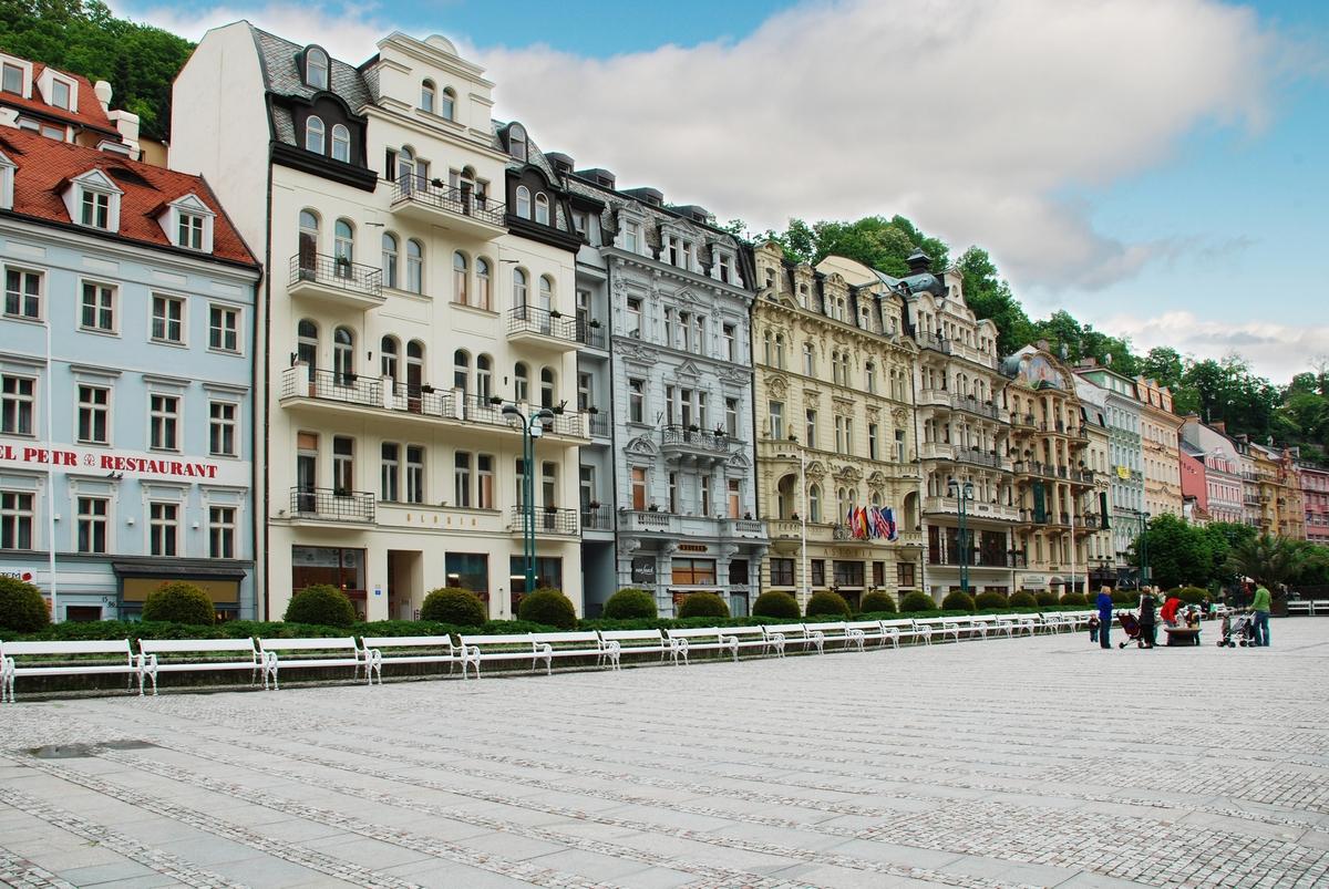 знакомства в чехии карловых варах