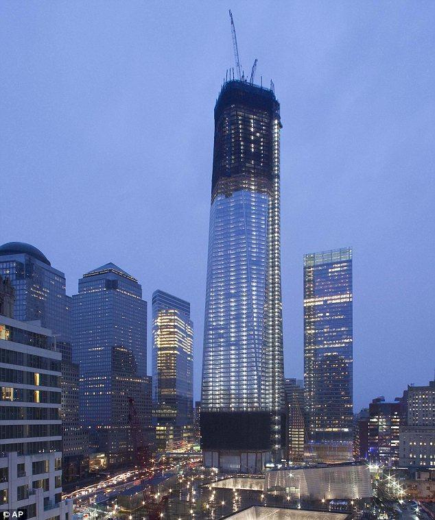 Всего в торговом центре будет 104 этажа