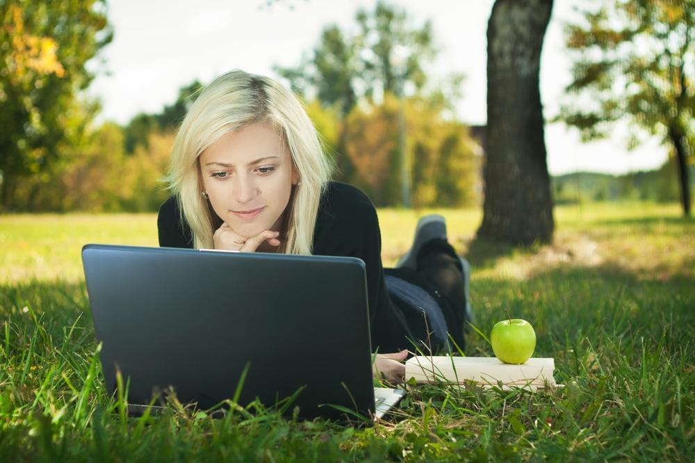 Учиться в лучших вузах в мире, сидя дома за ноутбуком, вполне реально