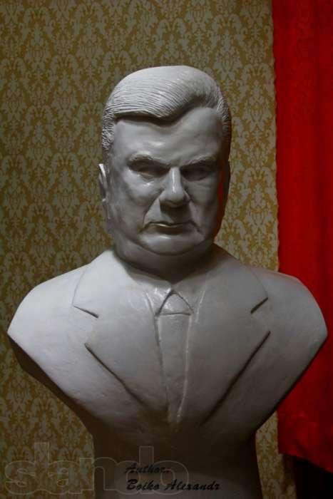 Бюст Януковича называют удачным вложением денег