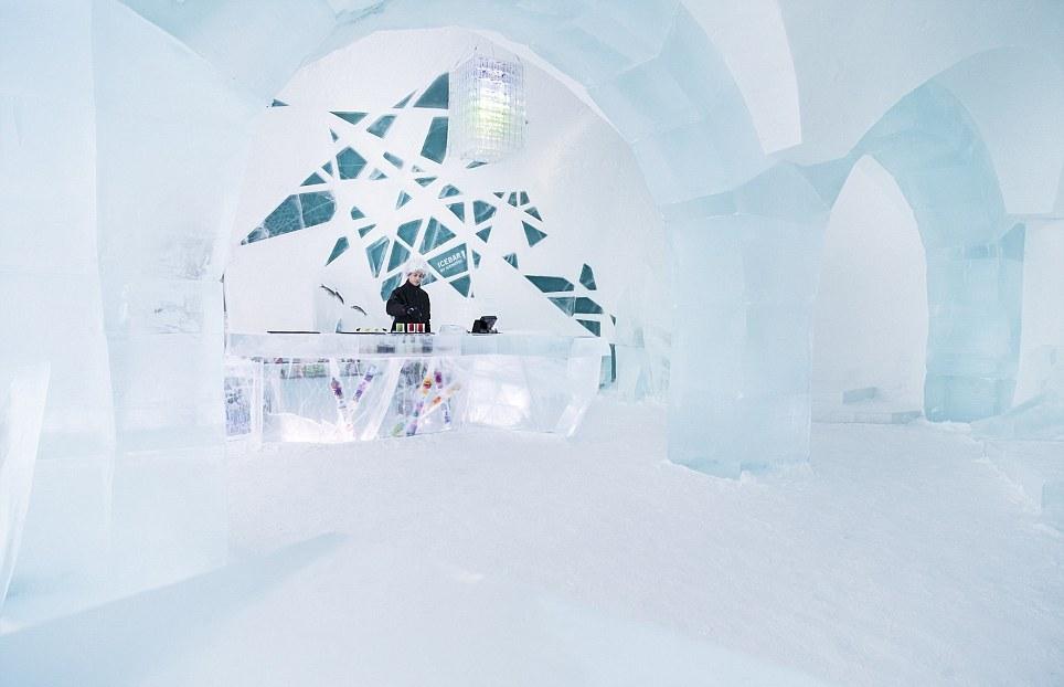 В Швеции открылся уникальный отель, полностью сделанный из льда