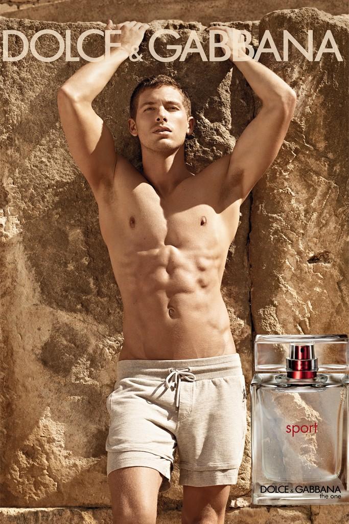 Лицо нового мужского аромата от Dolce & Gabbana - The One Sport - Адам Сенн