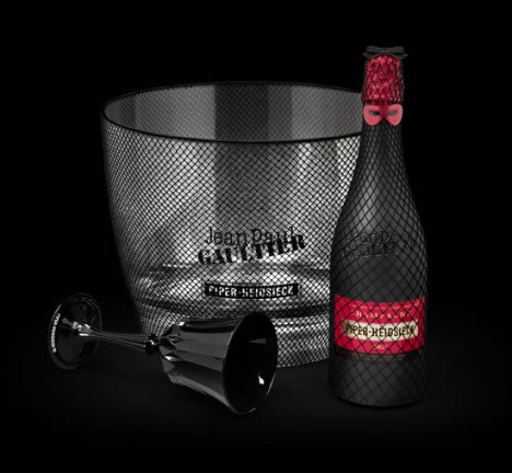 Шампанское Piper-Heidsieck. Дизайн упаковки разработал модельер Жан-Поль Готье