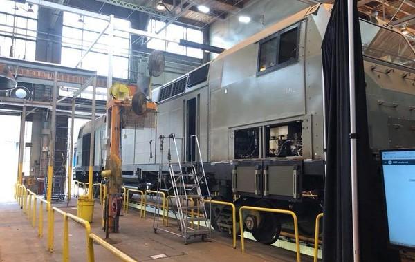 Всего в Украину поставят 30 локомотивов